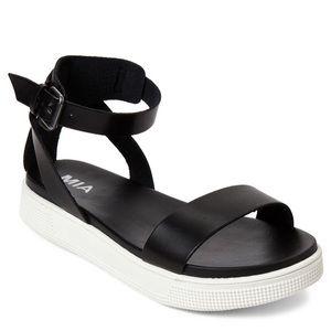 MIA Ellen Platform Black and White Sandals Size 7